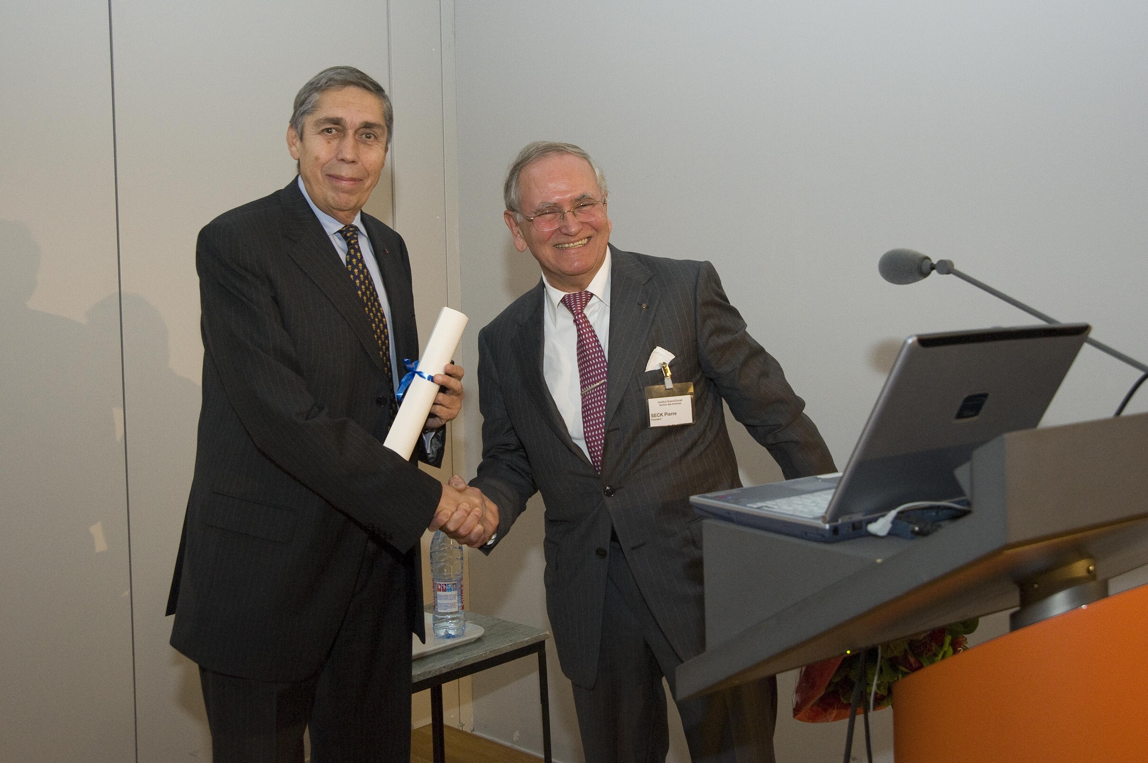 Grand Prix 2010 en sciences physiques de l'Institut grand-ducal / Prix Paul WURTH : Professeur Dr Jean-Pierre HANSEN (University of Cambridge) / lauréat